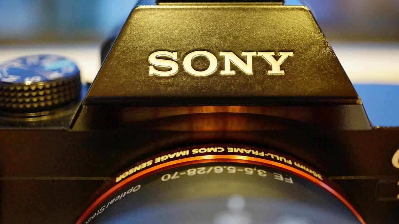 best mirrorless camera under 1500